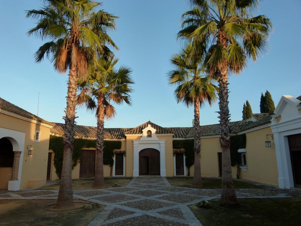 Patio exterior Hacienda el Burgo lambel catering