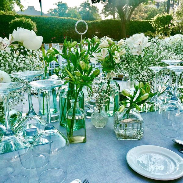 decoración-mesa-de-almuerzo-de-una-boda-de-lambel-catering