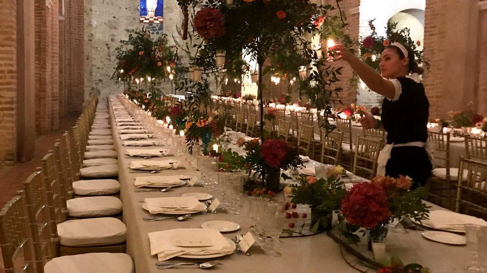 decoración e iluminación mesa catering